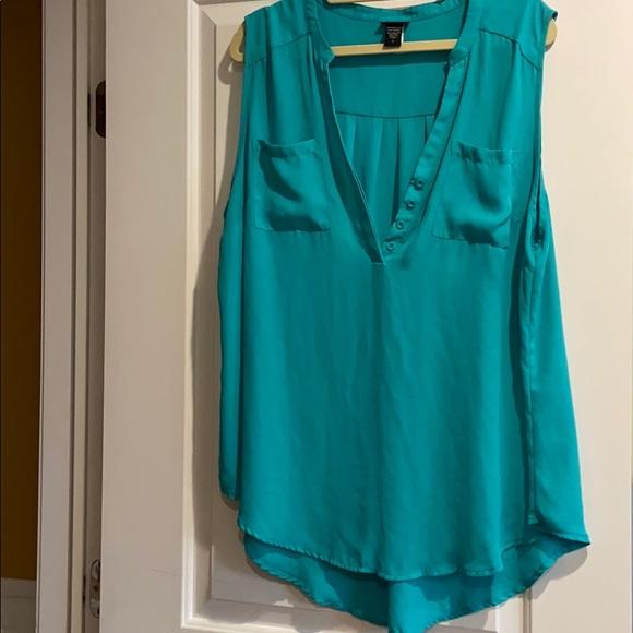 Torrid Sz 2 flowy blouse